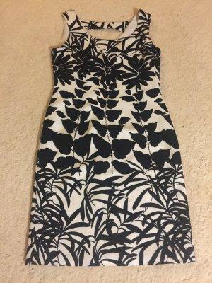 Sehr schönes Kleid.!