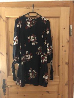 Sehr schönes Kleid von Zara zu verkaufen