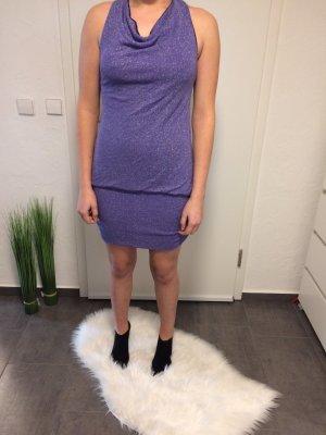 Sehr schönes kurzes Kleid