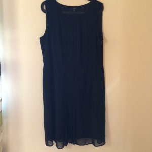 Sehr schönes schwarzes Kleid - Gr. 44 - MUST HAVE