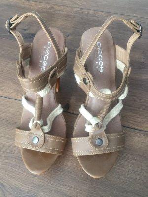 Sehr stylische Sommer High Heels