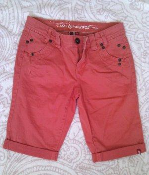 Sehr süße Bermuda Shorts in Lachsrosé