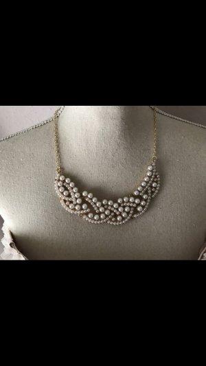 Sehr süße Kette mit Perlen