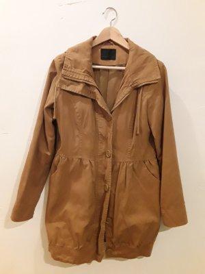Sehr süßer Mantel mit ballonartigem Rockteil