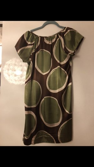 Sehr verspieltes Kleid