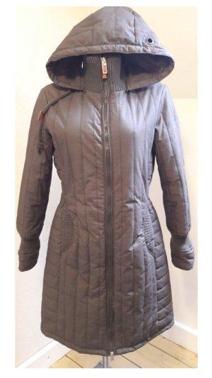 Sehr Warm Tailliert Kuschelig Luxus Mantel mit Kaputze von der Marke Khujo in Farbe Taupe Braun Grau Größe XL