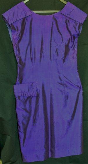 Seidenes Modellkleid in tiefdunklem Lila, Vintage-Schnitt