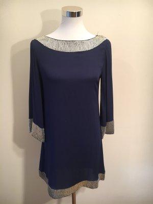 Seidenkleid in blau mit aufwendigen Verzierungen