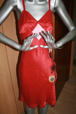 Seidenkleid in rot mit Stickern Gr. S von Parasucco