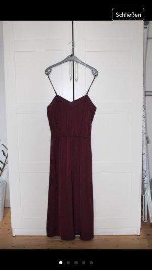 Seidenweiches bordeauxfarbenes Kleid