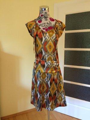 Seidig glänzendes Boho-Kleid, letzte Reduzierung