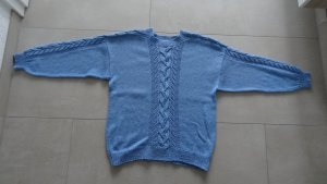 Selbstgestrickter Pullover Gr. 44/46 hellblau