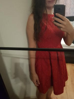 Select Rotes Kleid