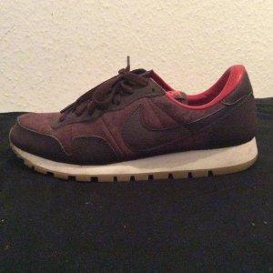 Selten getragene Nike Schuhe