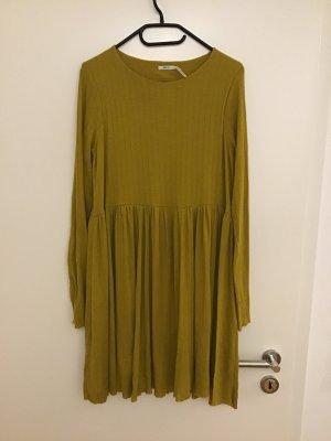 Senffarbenes Kleid