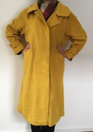 Senfgelber langer Mantel aus Schurwolle Kaschmir