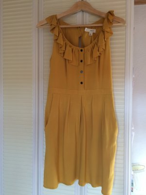 Senfgelbes Kleid mit Taschen von Urban Outfitters