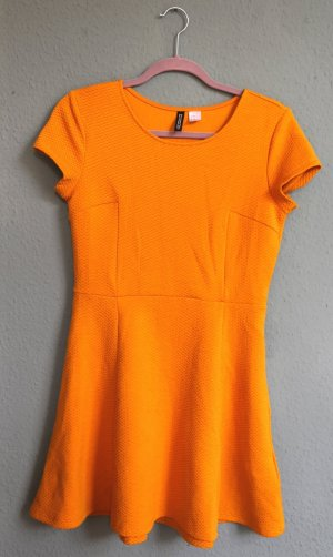 Senfgelbes Stretch-Kleid
