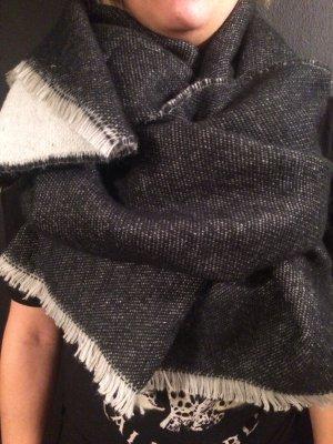 sensationeller, weicher, riesen Schal in schwarz/weiss