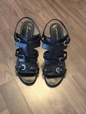Sergio Rossi Strapped Sandals black