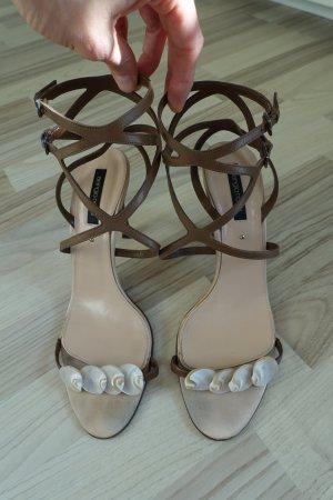 SERGIO ROSSI Schuhe, Sandaletten mit süßer Muschelverzierung, Gr. 40