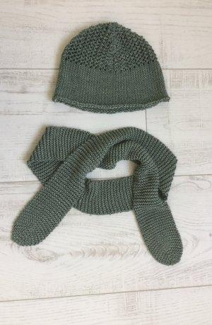 Set aus Häckelmütze und Schal