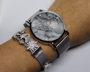 Set Damen Uhr silber mesh & Charms Armband