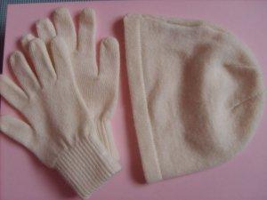 Set mit Strickmütze und Handschuhen Cremeweiß NEU