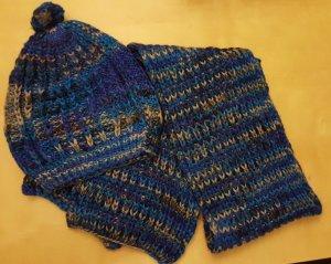 Sombrero de punto gris-azul