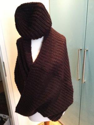 Set Mütze und Loop- Schal in aktuellem Bordeaux
