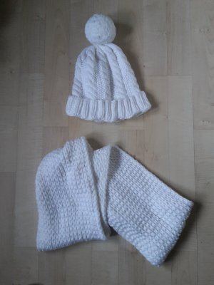 Bobble Hat white