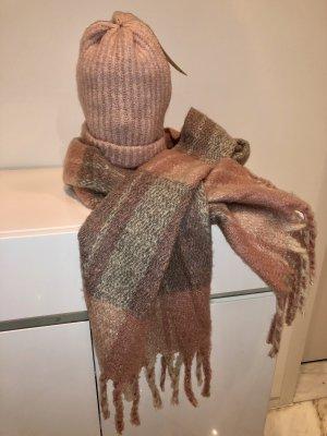 Set Schal und Mütze neu und ungetragen