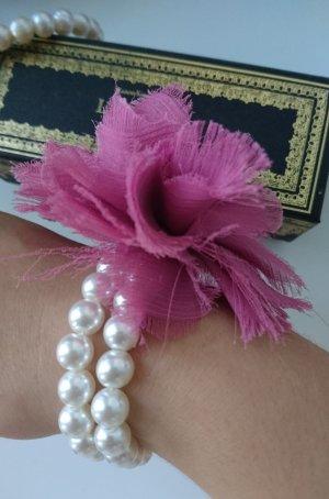 Set: Statement Armband mit Blume, Perlen, passende Ohringe