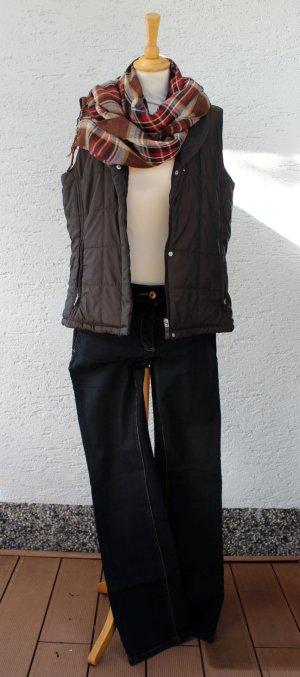 SET Steppweste + Jeans + Schal