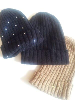 Set von H&M Mützen neu beige schwarz Winter