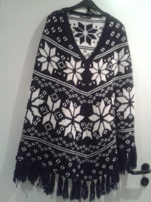 Poncho black-white