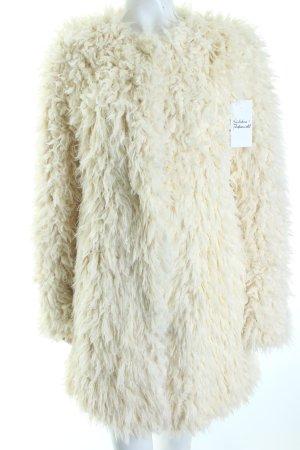 Set Wintermantel wollweiß Street-Fashion-Look