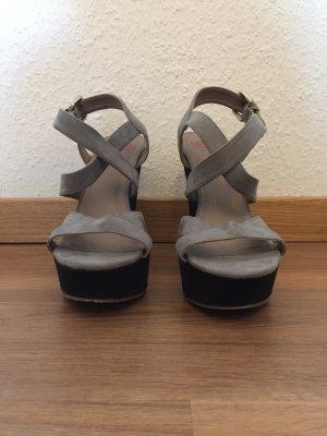 Seven Second Plateau Heels