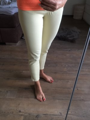 Sexy 7/8 Hose in Pastell gelb