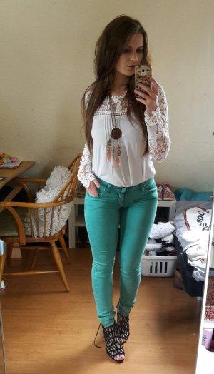 sexy grüne enge Jeans