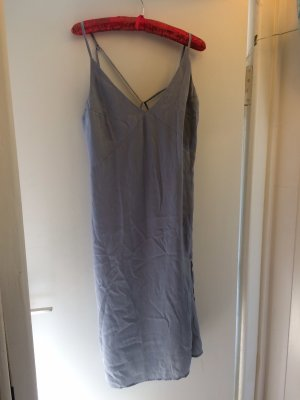 Sexy Kleid mit Schlitz und hübschen Rücken Ausschnitt