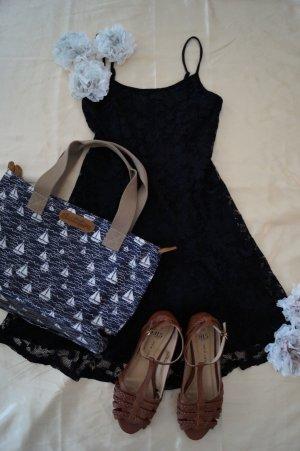 sexy Kleid mit Spitze von New Look, Größe 38