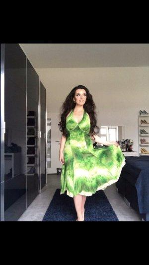 sexy romantisches neckholderkleid in strahlenden grüntönen gr. 36
