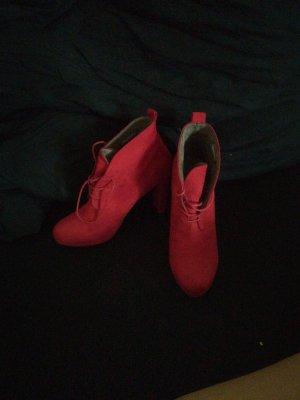 sexy rote Stiefeletten