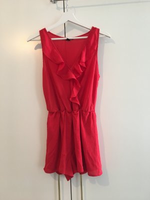 Sexy roter Jumpsuit mit Volant
