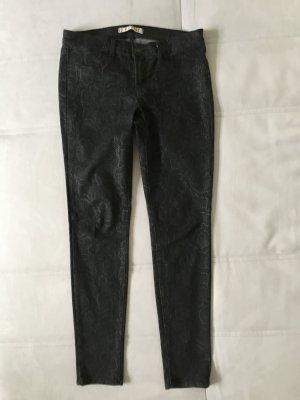 Sexy schwarze Jeans in Schlangen Design. Elastisch. J Brand Design