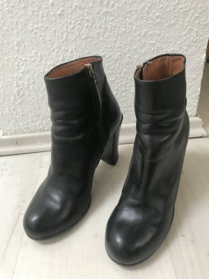 & other stories Low boot noir cuir