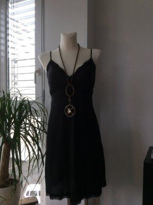 Sexy schwarzes Kleid mit Spitze von der italienischen Trendmarke Kontatto!