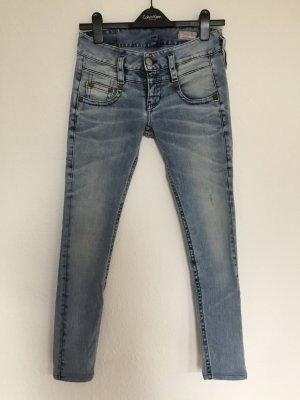 Sexy Skinny-Jeans von Herrlicher in Größe 26