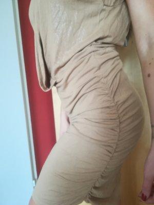 Sexy Sommerkleid, leicht schimmernd, raffinierter Schnitt, Wasserfallausschnitt